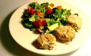 катлеты с салатом